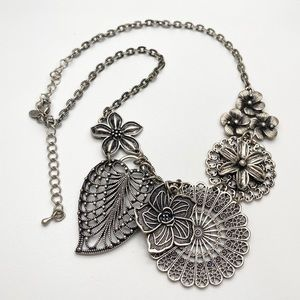 Premier Designs Layered Flower Leaves Necklace